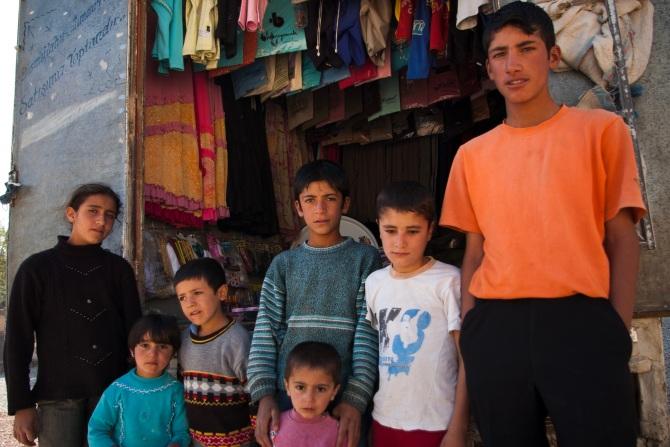 마을에서 유일했던 가판 행상. 동네 아이들의 사랑방 구실을 했다.